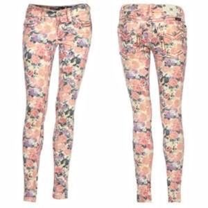 Miss Me Jeans Pink Floral Cargo Roll-up 29